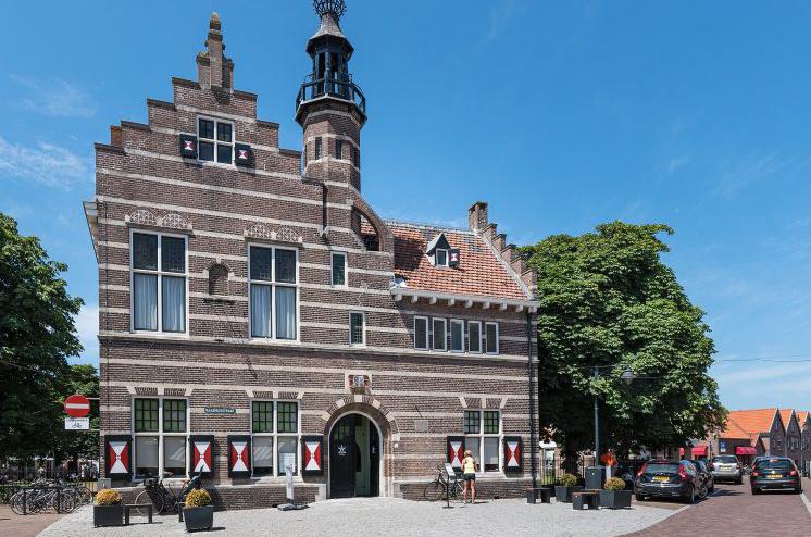 Raad- en polderhuis